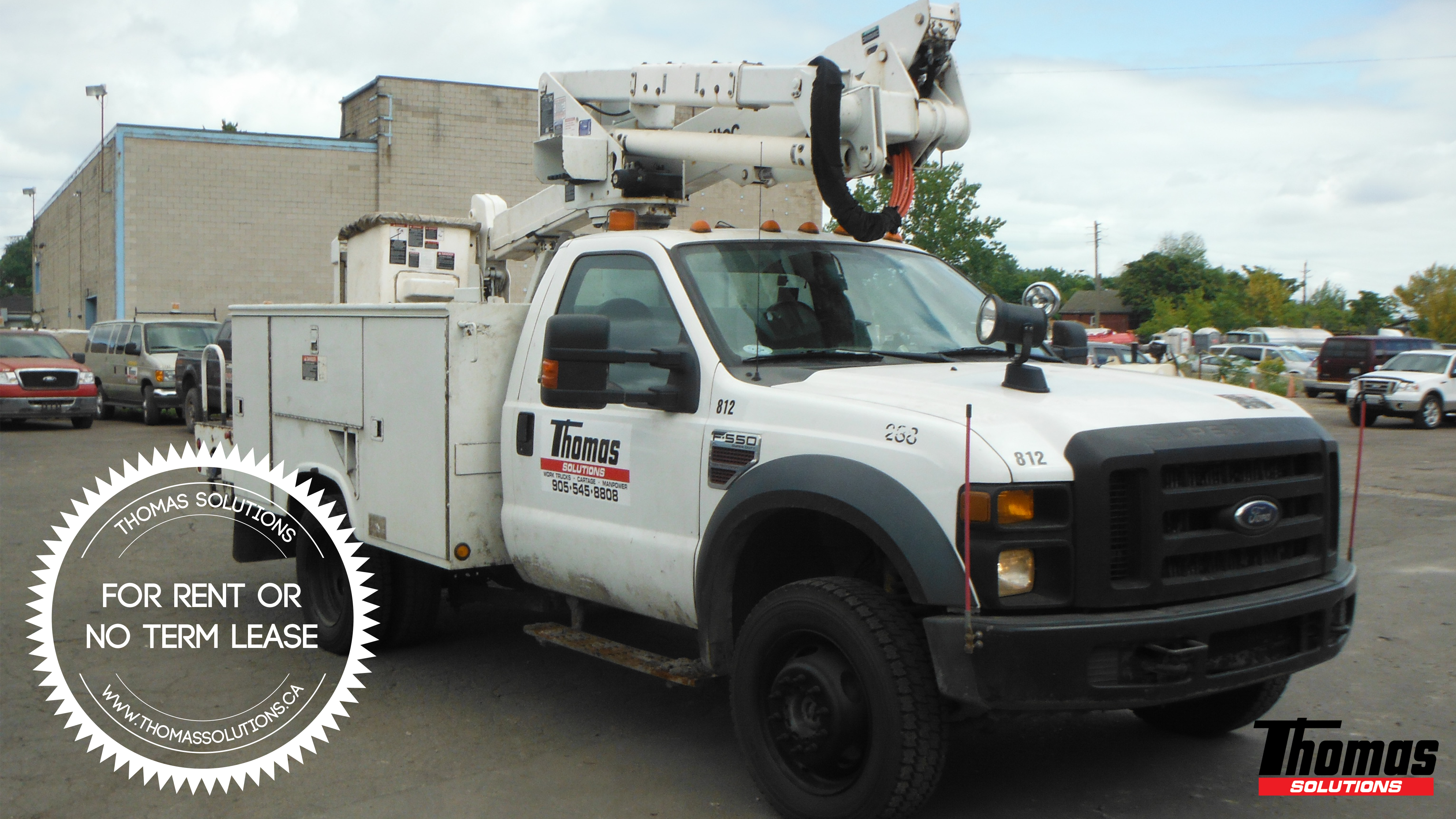 2007 F550 4X4 with Aerial Altec Manlift